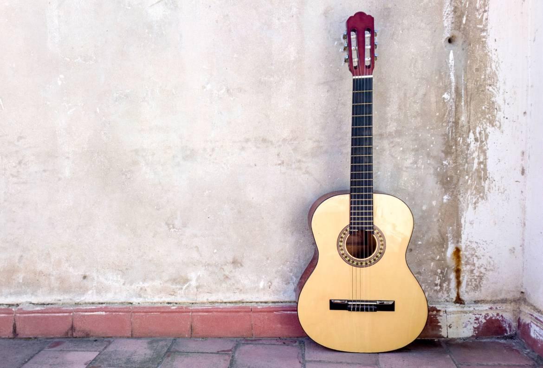 guitar-2307542_1920.jpg