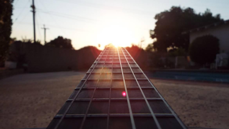 guitar-2596726_1920.jpg